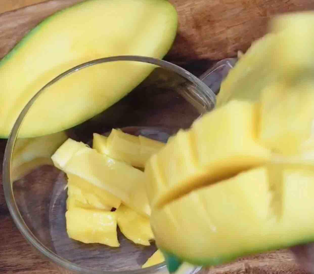 芒果奶昔的做法图解