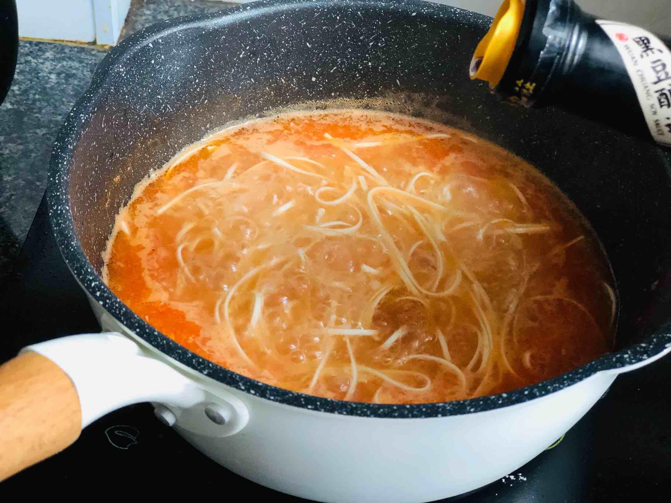 酸辣西红柿鸡蛋面怎么炒
