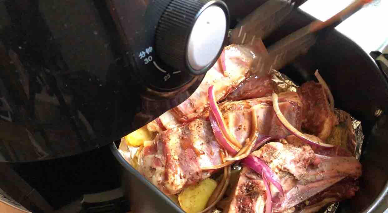 空气炸锅版烤羊排的步骤