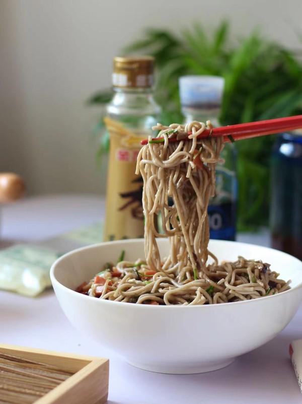 素炒荞麦面成品图
