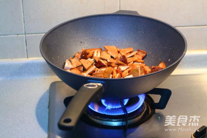 五花肉炒豆腐干怎么做