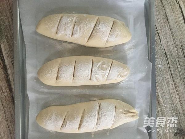 麦香味浓郁的法棍面包怎么炖