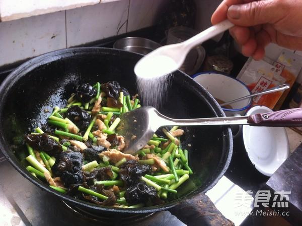木耳蒜苔炒肉怎么煮
