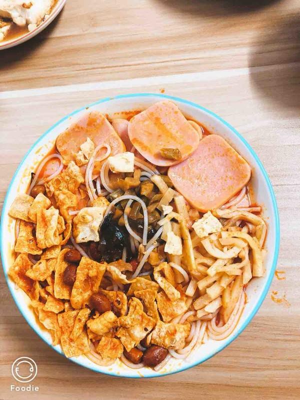 广西柳州螺蛳粉怎么吃