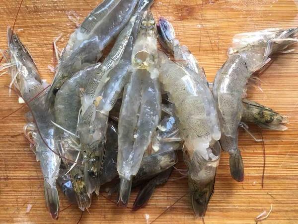 粉丝蒸虾怎么吃