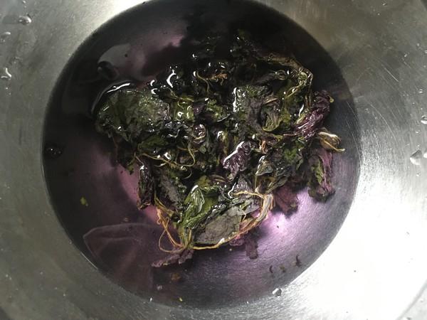 韭黄紫苏炒螺肉的简单做法