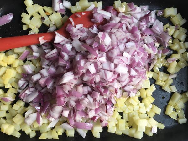 西班牙土豆蛋饼的简单做法