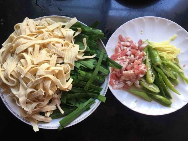 韭菜千张炒肉丝的做法图解