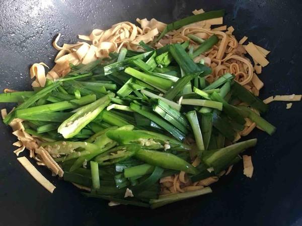 韭菜千张炒肉丝怎么做