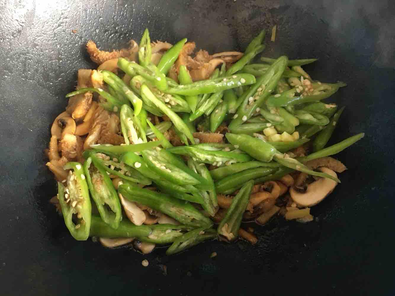 白蘑菇炒牛肚怎么吃