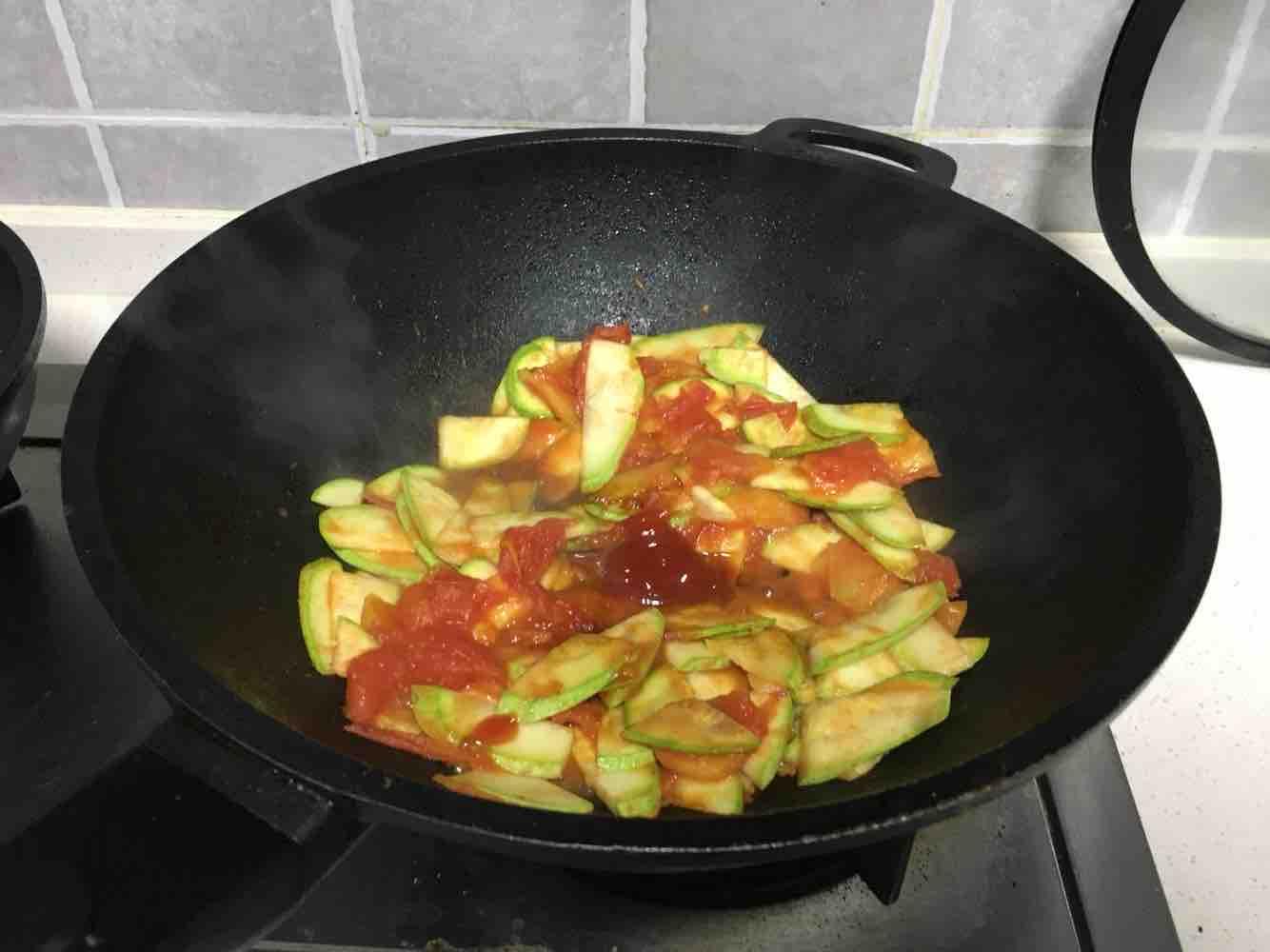 西葫芦炒番茄的简单做法