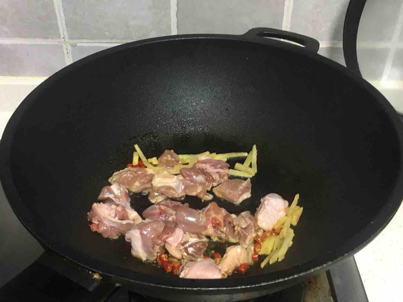 南瓜鸭腿焖饭的家常做法