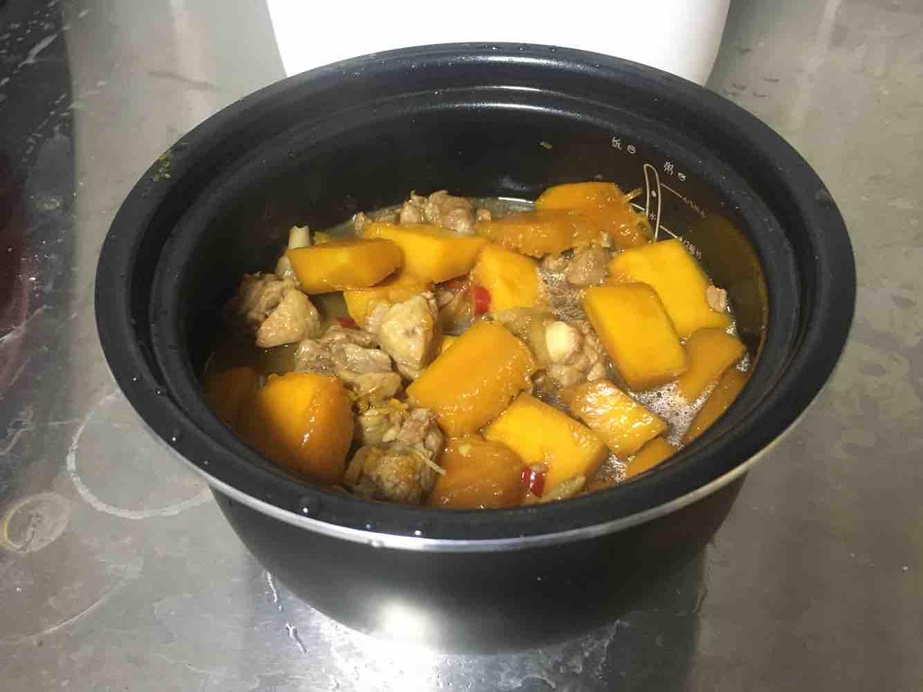 南瓜鸭腿焖饭怎么煮