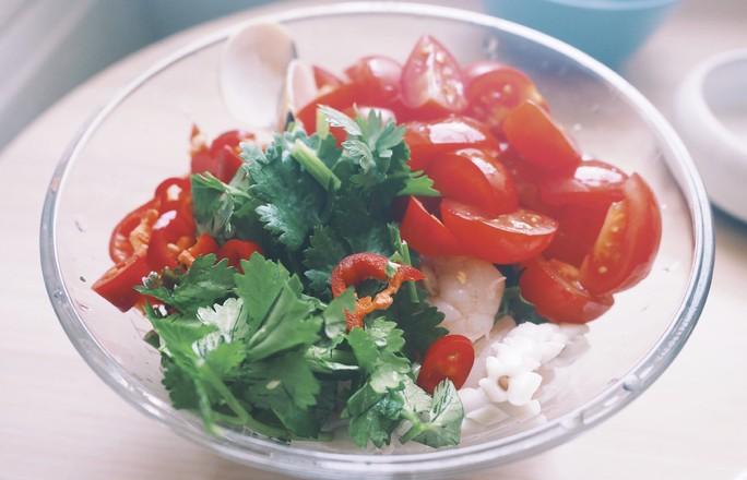 泰式凉拌海鲜粉的简单做法