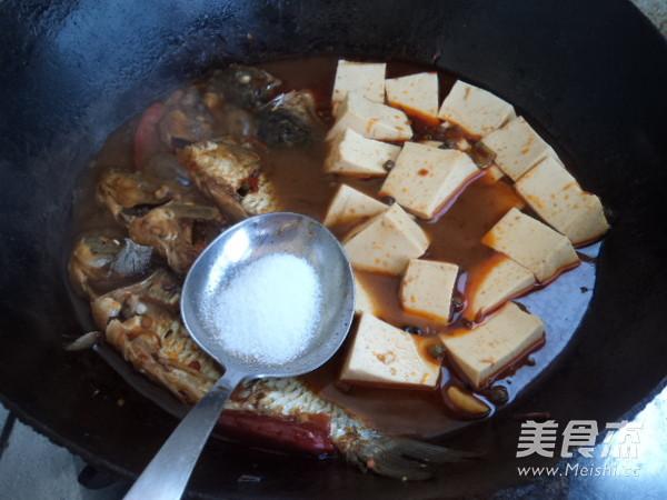 麻辣鲫鱼炖豆腐怎么炖