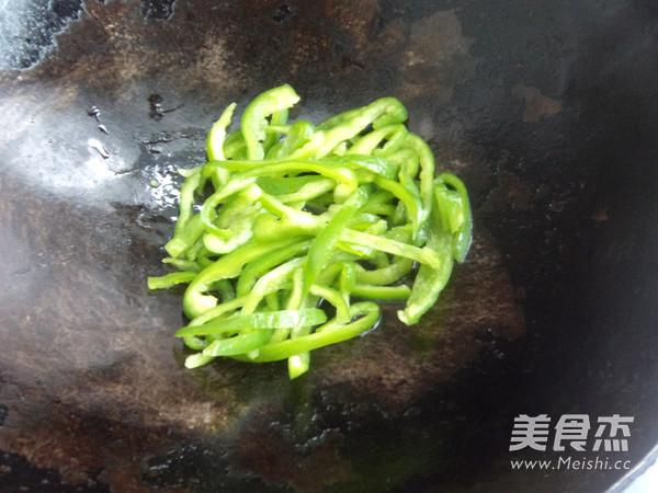 土豆辣椒拌面的家常做法