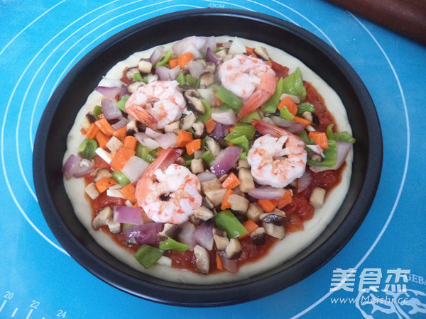 鲜虾披萨的制作