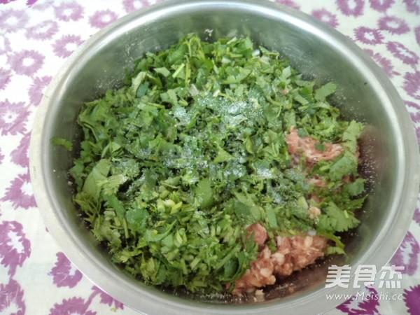 香菜猪肉馅水饺的简单做法