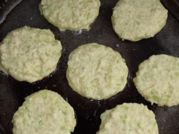 瓜皮豆渣鸡蛋饼怎么炒