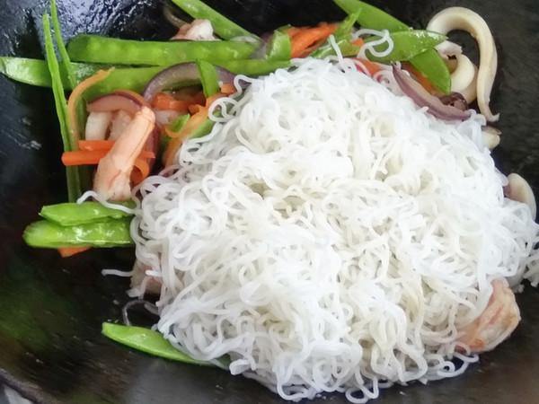 海鲜炒米粉怎样炒
