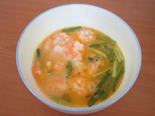 年夜饭硬菜之虾仁炒鸡蛋的步骤