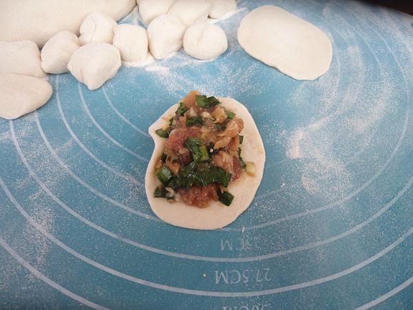 猴头菇猪肉韭菜馅水饺怎么煸
