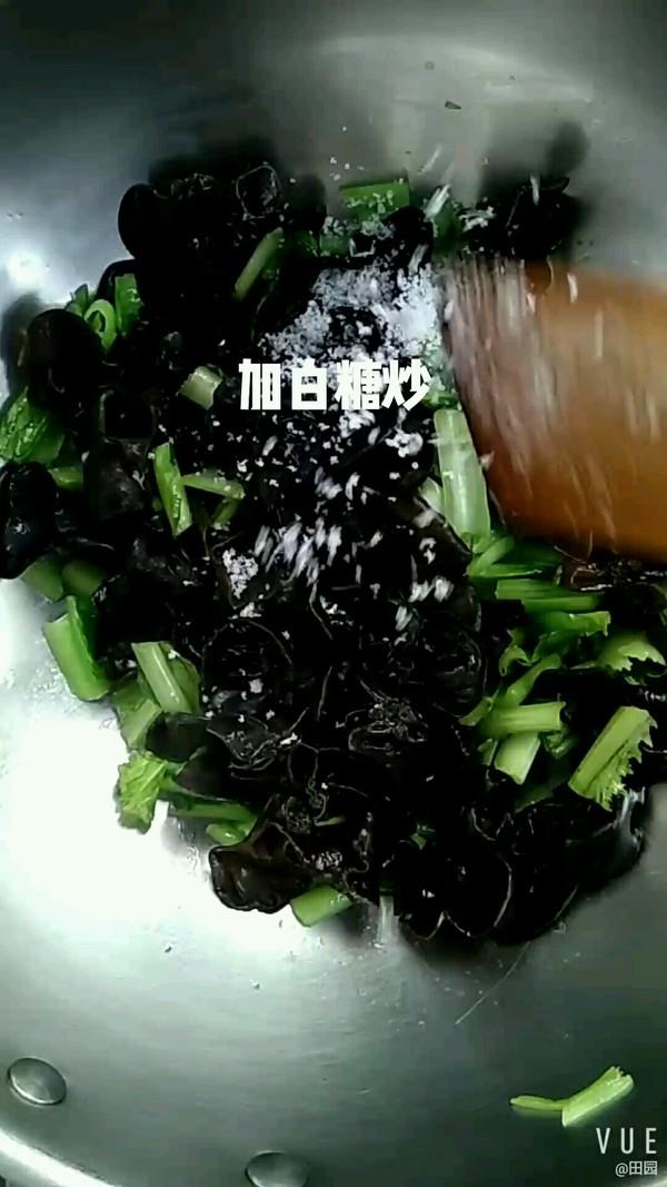 木耳烧小白菜的简单做法