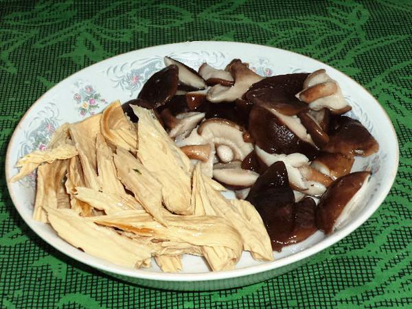 腐竹香菇炒黄瓜的家常做法