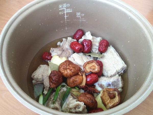 排骨莲藕煲的简单做法