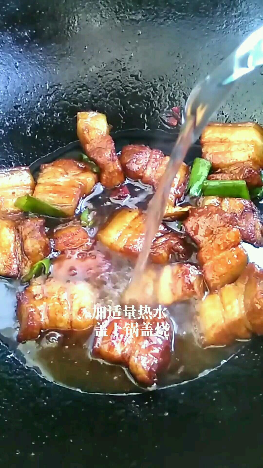 散发着香气的五花肉太诱人怎么煮