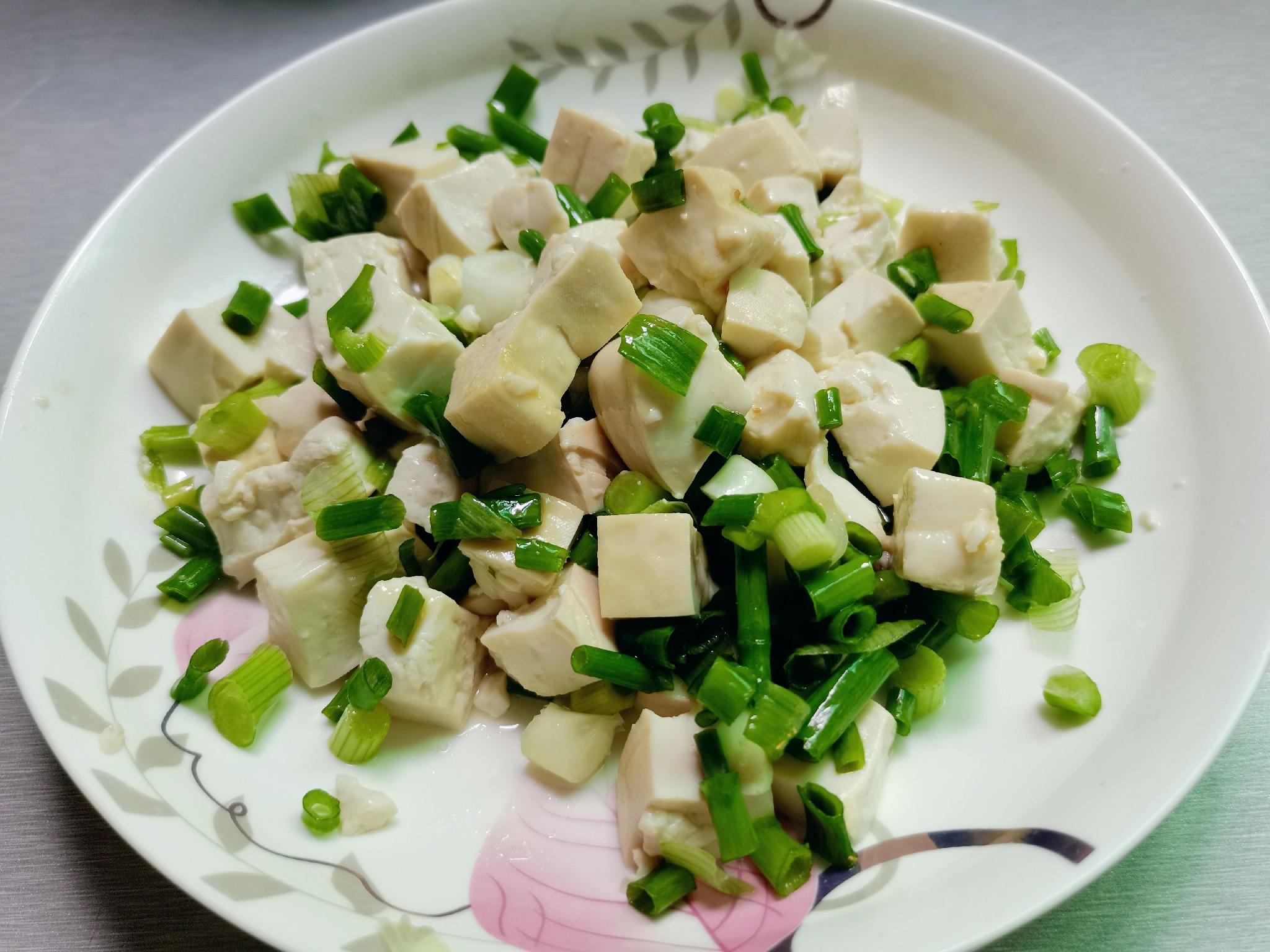小葱拌豆腐怎样做