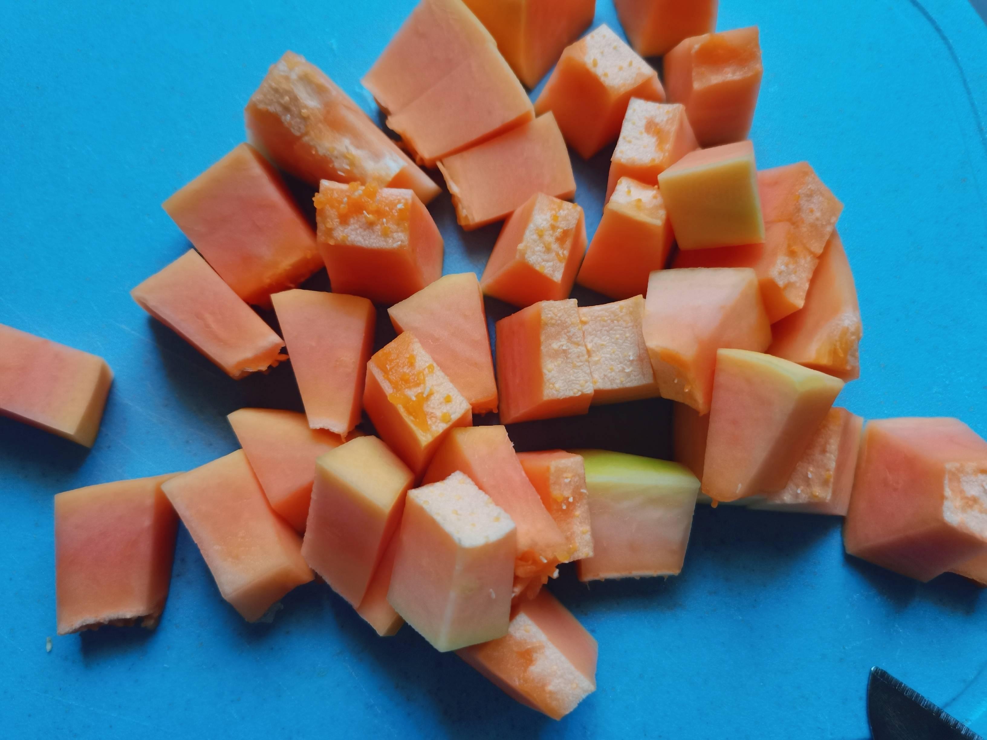 木瓜炖牛奶的家常做法