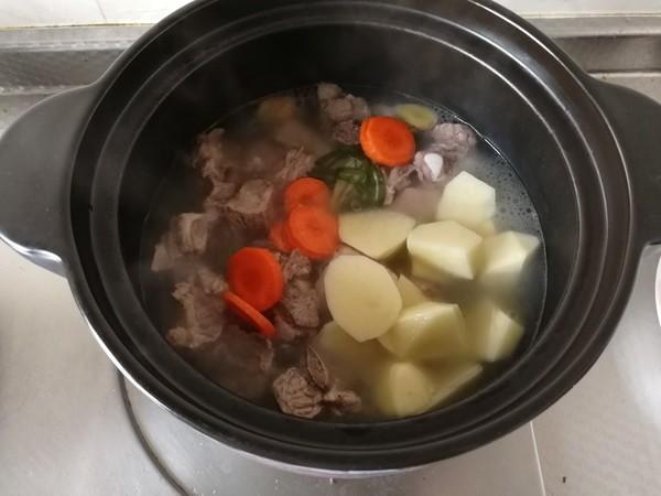 土豆胡萝卜排骨汤怎么煮