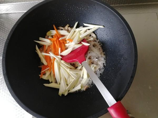 茭白蘑菇炒肉丝怎么做