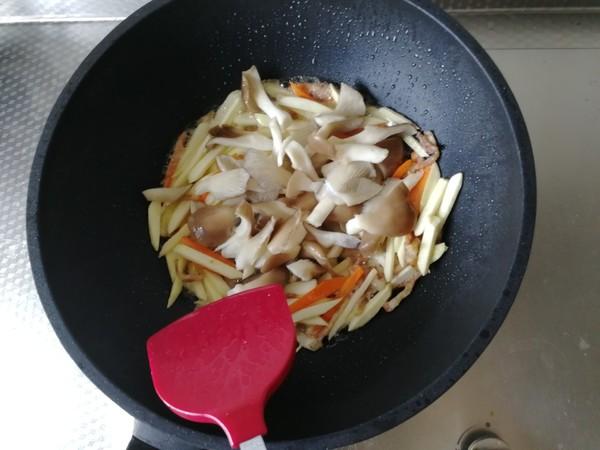 茭白蘑菇炒肉丝怎么炒