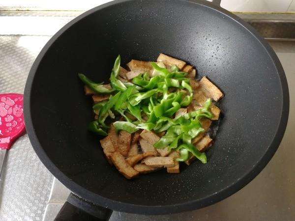 青椒炒香干怎么吃