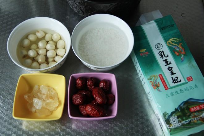 冰糖红枣莲子粥的做法大全
