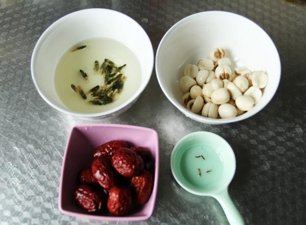 冰糖红枣莲子粥的家常做法