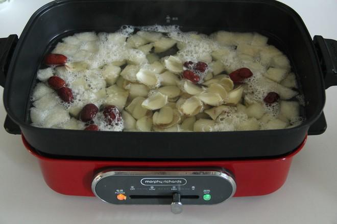 秋日暖汤,百合雪梨汤的简单做法
