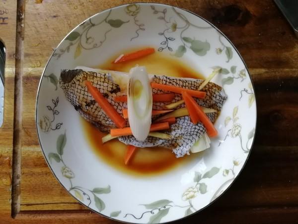 清蒸鳕鱼怎么吃