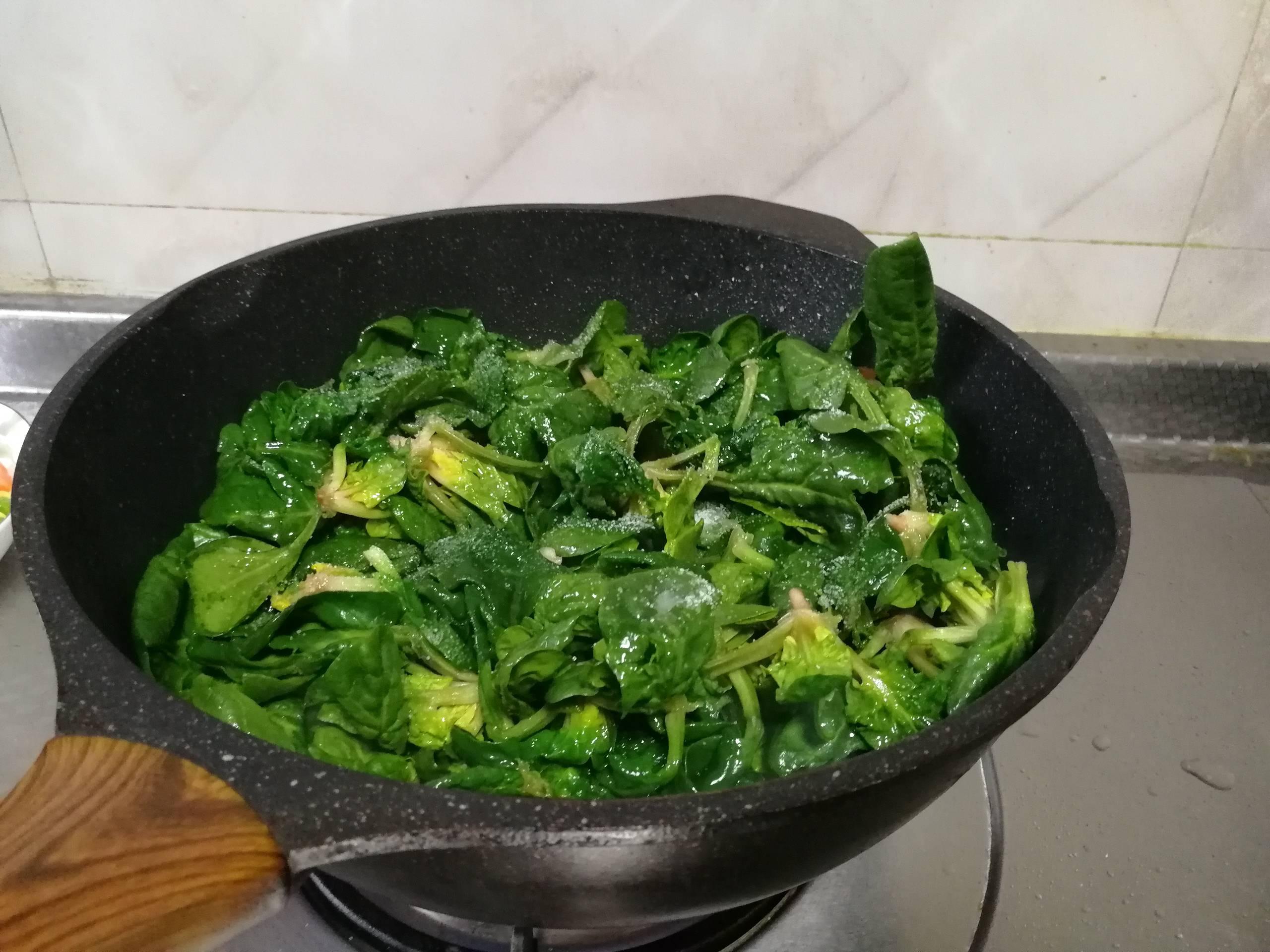 清炒菠菜的简单做法