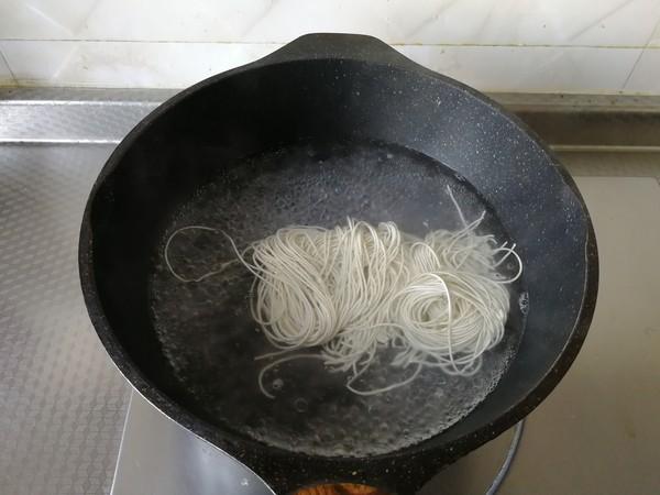 蔬菜虾仁炒面的做法图解
