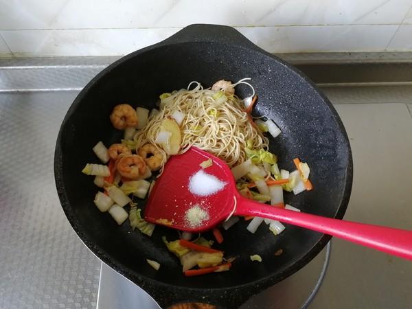 蔬菜虾仁炒面怎么煮
