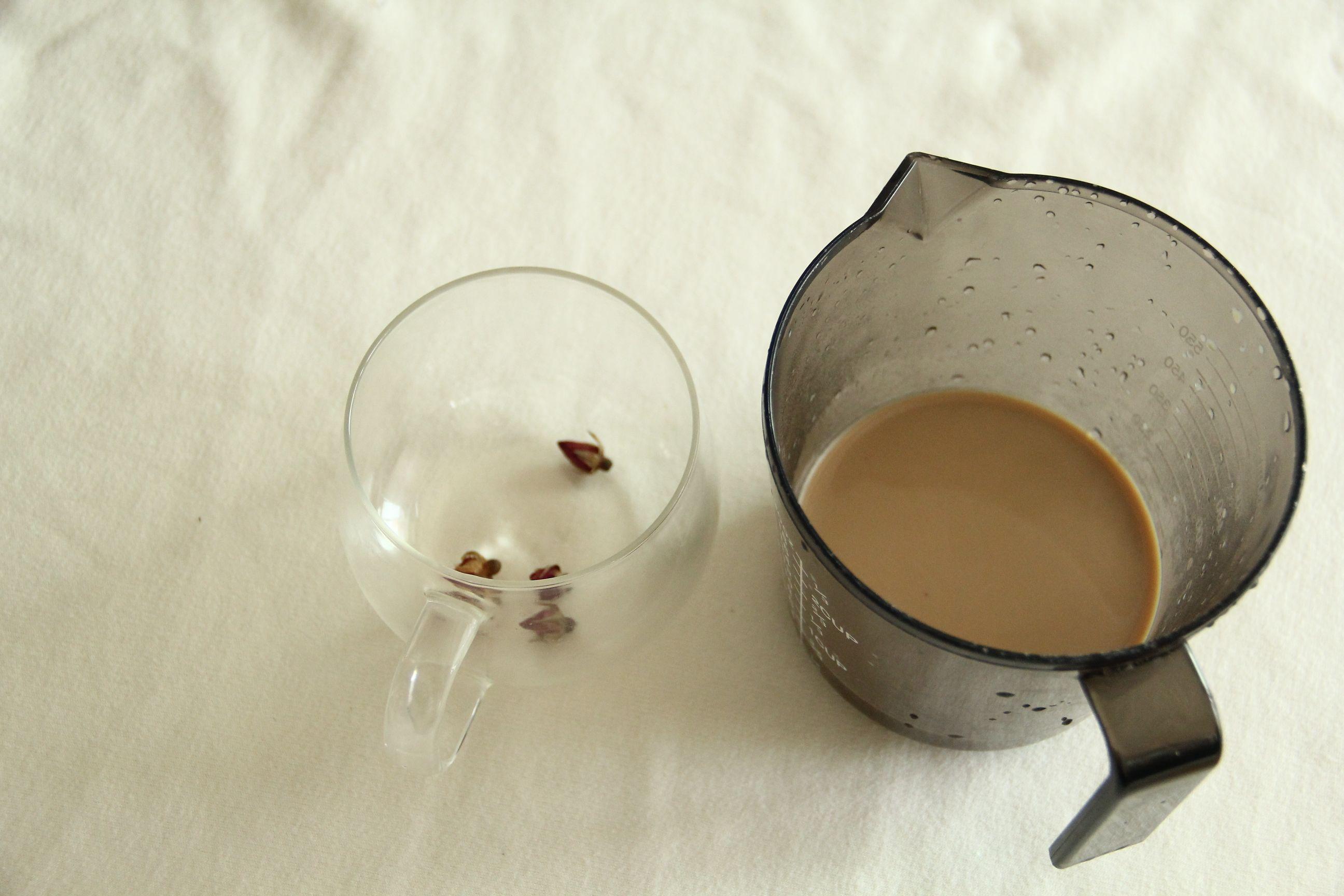 玫瑰花奶茶的简单做法