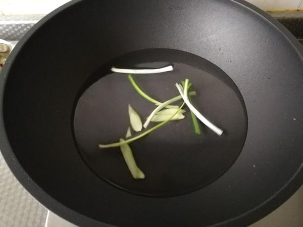 鲜嫩蛏子这么做,配上鲜香浇汁,入口超嫩的简单做法