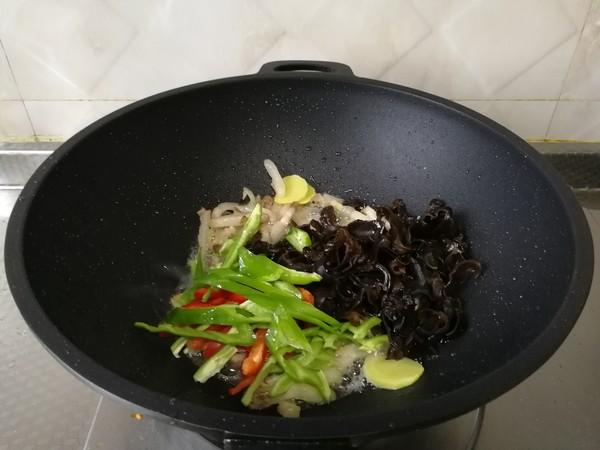 三丝炒肉丝,爽脆下饭的简单做法