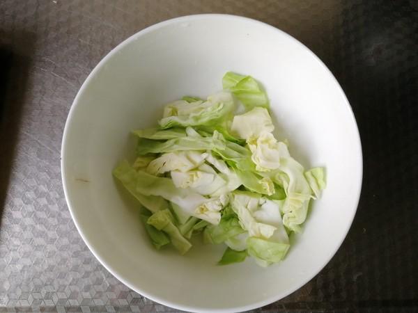 微辣咸香包菜碎虾蓉酱拌意面的家常做法