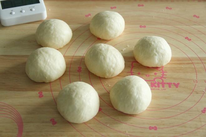 长得像蛋黄酥的椰蓉奶酥咸蛋黄面包怎样做