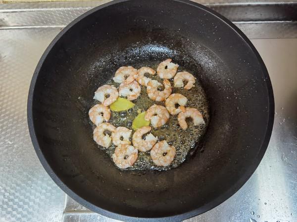 清甜虾仁豆腐汤,简单调味也是美味,虾仁鲜,豆腐嫩!的做法图解