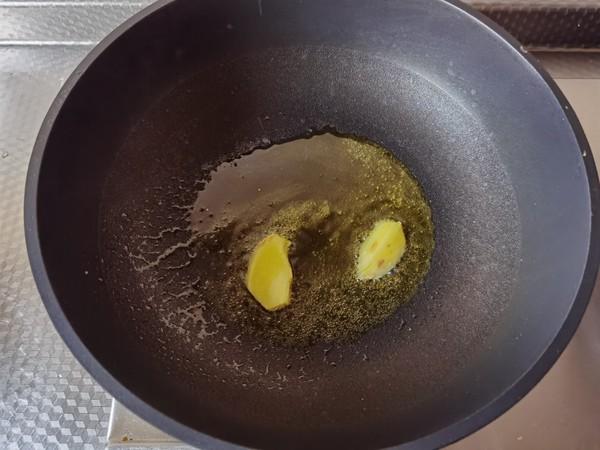 好吃下饭小菜,雪里蕻笋片香菇炒豆瓣的做法图解
